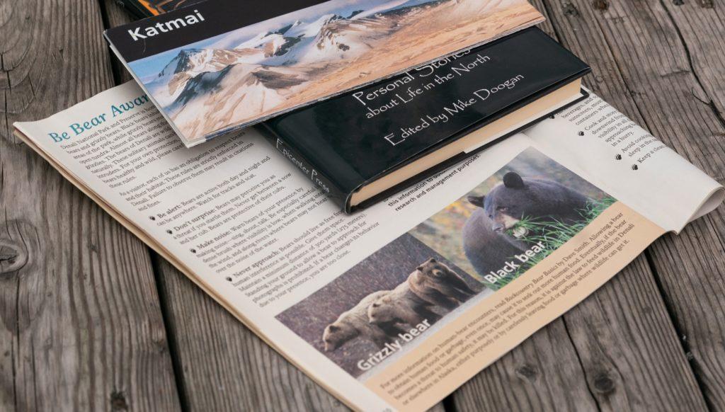 книги и буклеты про Аляску