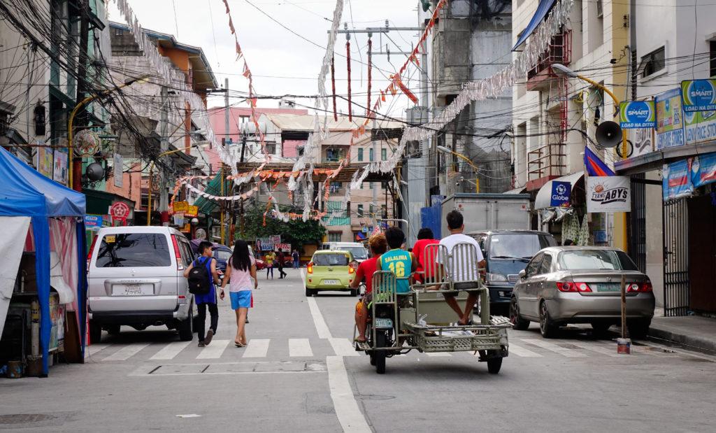 улица в одном из бедных районов, Манила, Филиппины
