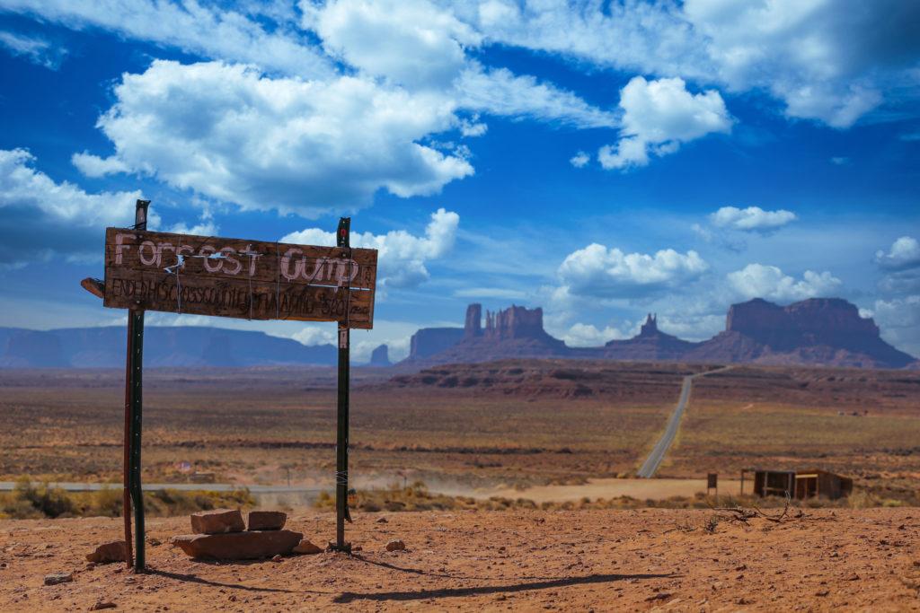 путешествие на автомобиле - Долина Монументов
